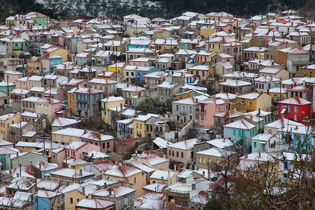 Agiasos with snow